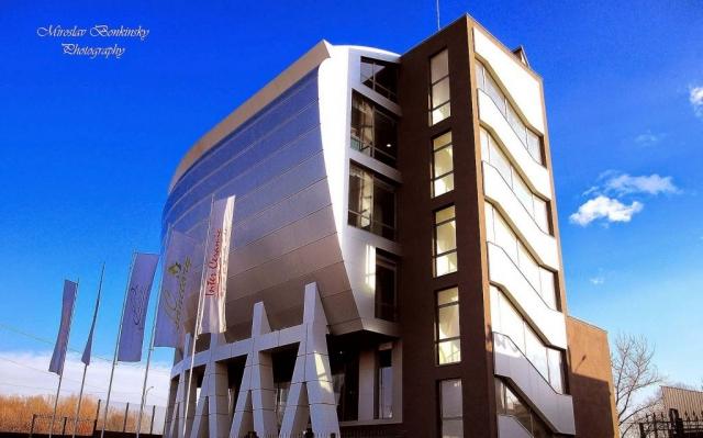 Интер Керамик, сграда, построена от ГЕ2 И ВИ